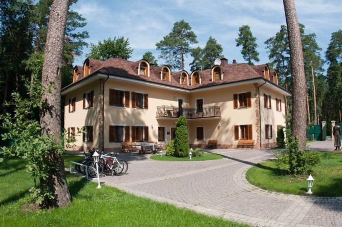 otel-rublyovskie-zori-700x465
