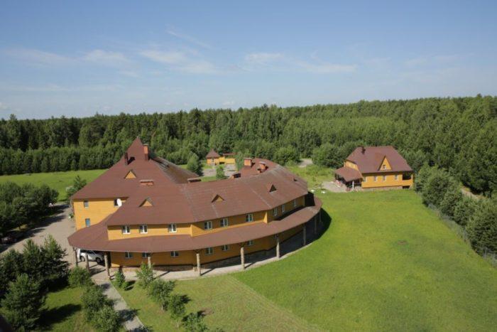 park-otel-chesnava-700x467
