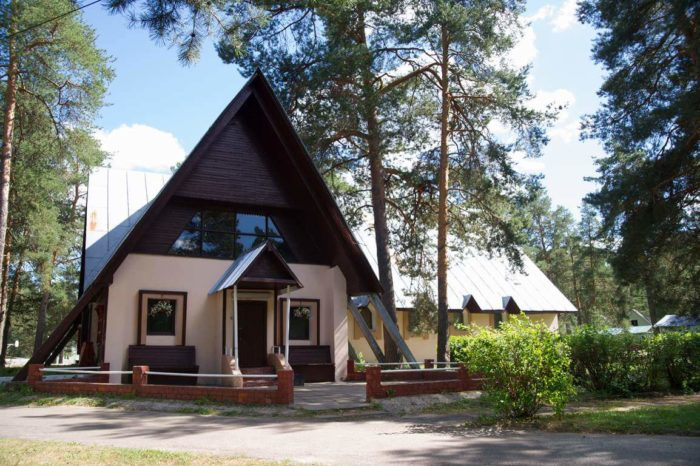 park-otel-turbaza-ladoga-700x466