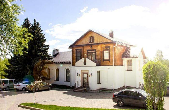 park-otel-voznesenskaya-sloboda-700x457