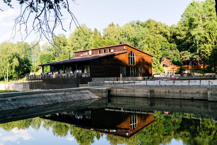 park-otel-zolotoy-osetr-700x467