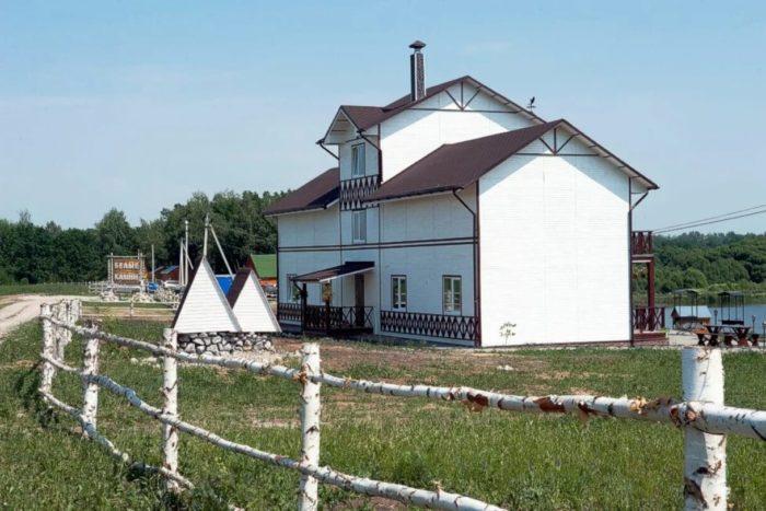 rybolovnaya-baza-belye-kamni-700x467