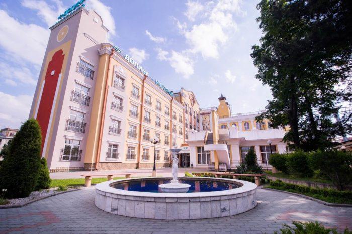 sanatoriy-dolina-narzanov-2-700x466