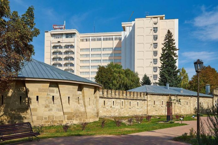 sanatoriy-krepost-700x467