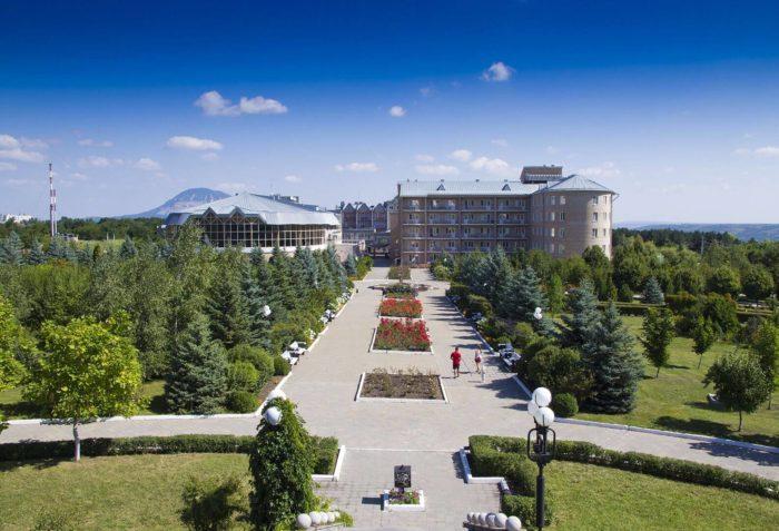 sanatoriy-mashuk-akva-term-700x477