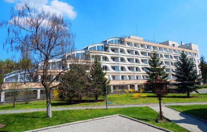 sanatoriy-pyatigorskiy-detskiy-700x446