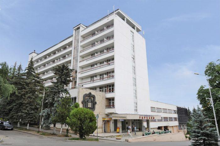 sanatoriy-tarhany-700x466