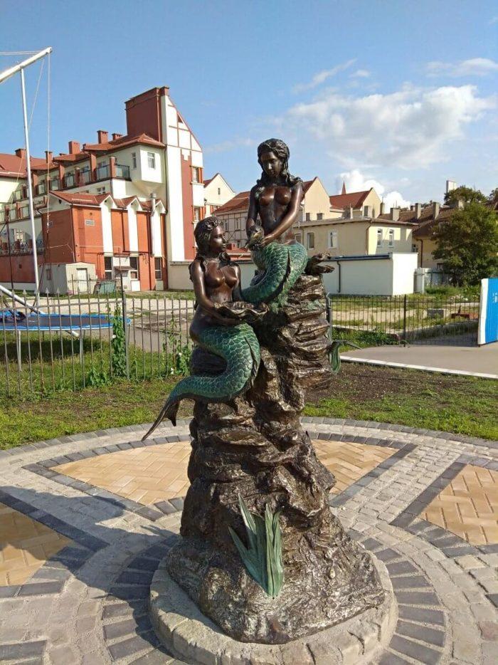 skulptura-rusalki-700x934