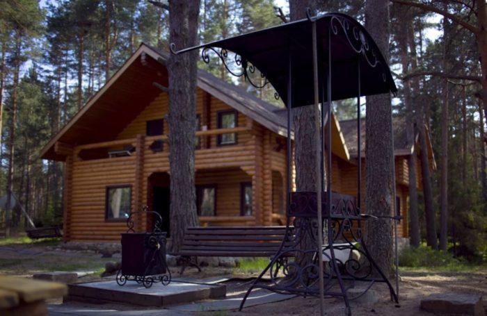 zagorodnyy-dom-hillside-700x455
