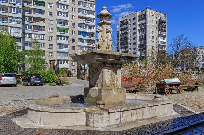 fontan-putti-700x466