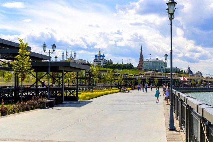 kremlevskaya-naberezhnaya-700x466