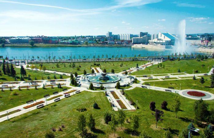 park-tysyacheletiya-700x452