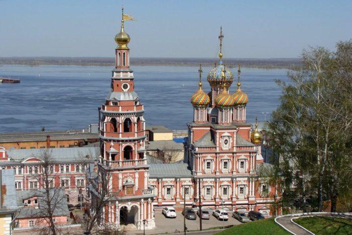 rozhdestvenskaya-stroganovskaya-tserkov-700x467
