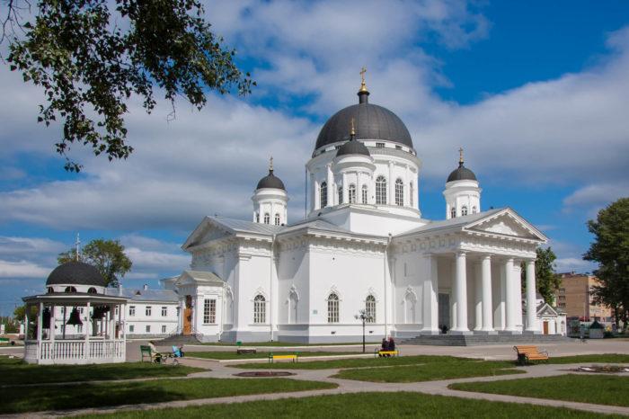 spasskiy-staroyarmarochnyy-sobor-700x466