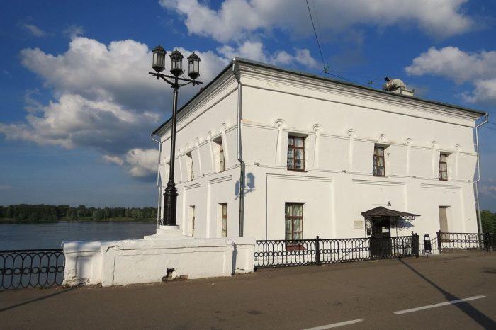 volzhskaya-bashnya-700x466