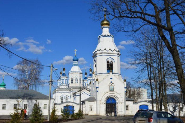 bogorodichnyy-scheglovskiy-monastyr-700x466
