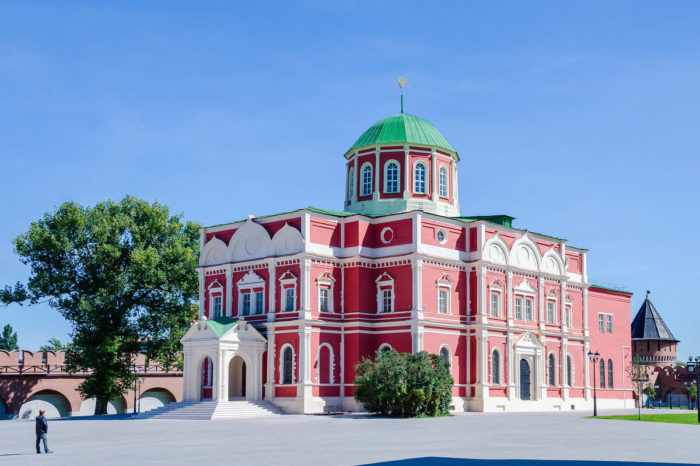 bogoyavlenskiy-sobor-tulskogo-kremlya-700x466