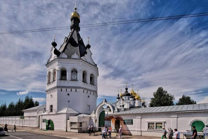 bogoyavlensko-anastasiin-monastyr-700x467