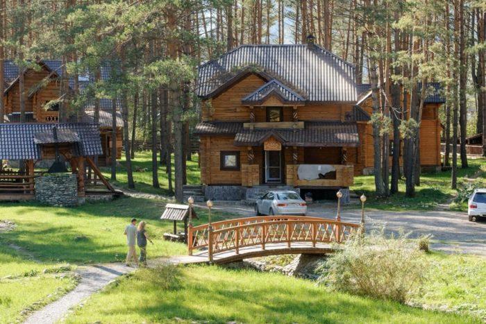 etno-otel-derevnya-berendeevka-700x467
