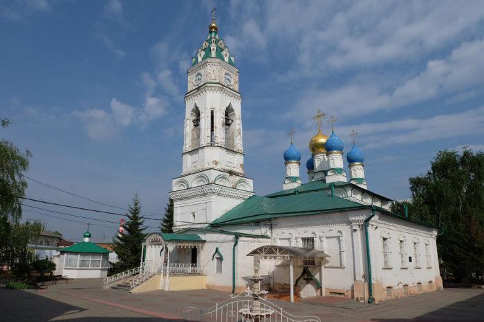 hram-blagovescheniya-presvyatoy-bogoroditsy-700x467