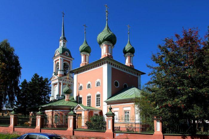 ioanno-zlatoustovskaya-tserkov-700x467