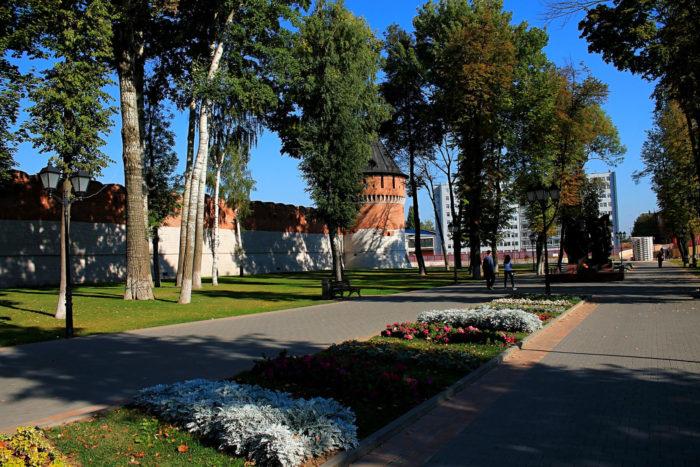 kremlyovskiy-skver-700x467