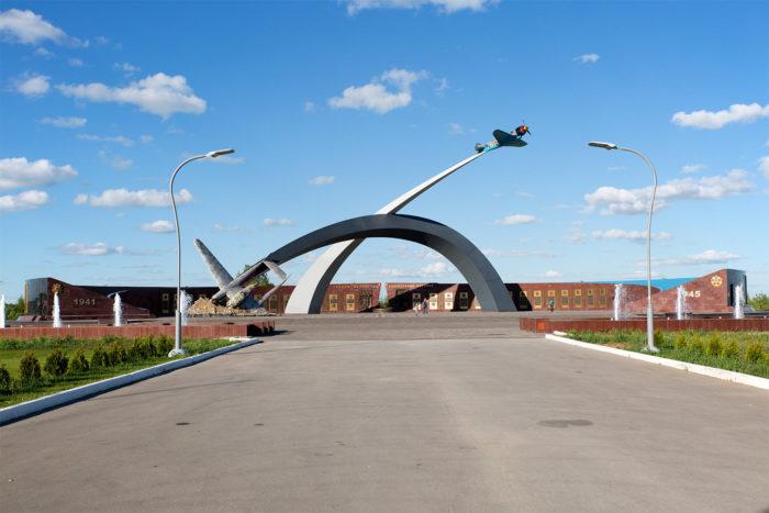 memorial-zaschitnikam-neba-otechestva-700x467