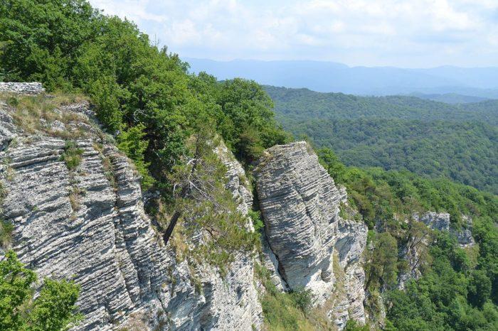 orlinye-skaly-700x466