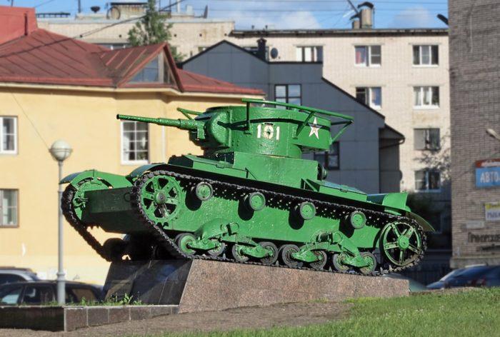 pamyatnik-tank-t-26-101-700x472