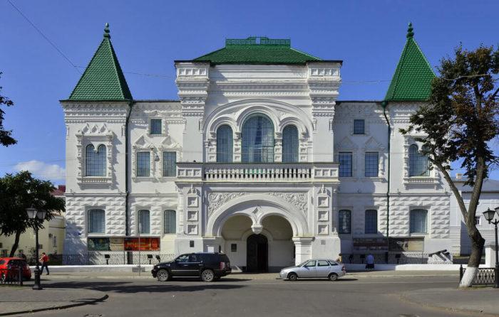 romanovskiy-muzey-700x446