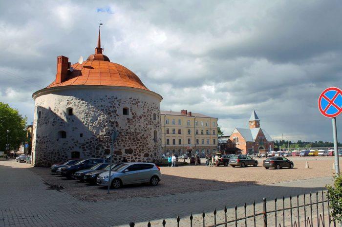 rynochnaya-ploschad-700x466