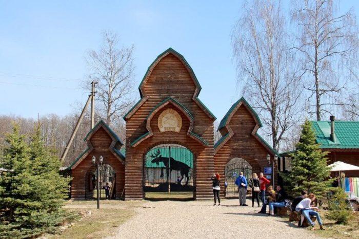 sumarokovskaya-losinaya-ferma-700x467