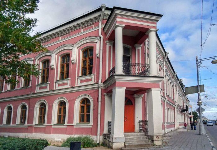tverskoy-gosudarstvennyy-obedinennyy-muzey-700x486