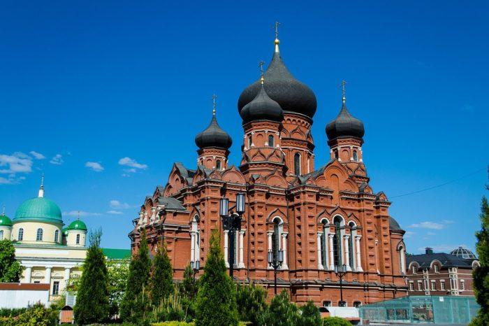 uspenskiy-kafedralnyy-sobor-700x466