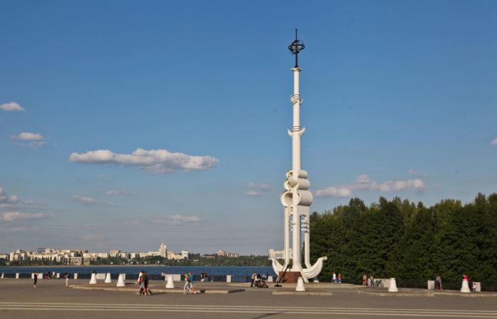 admiralteyskaya-ploschad-700x450