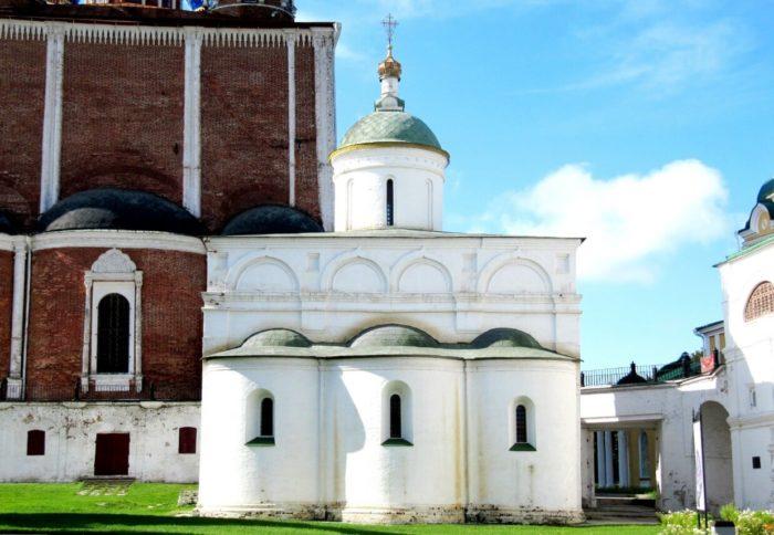 arhangelskiy-sobor-700x484