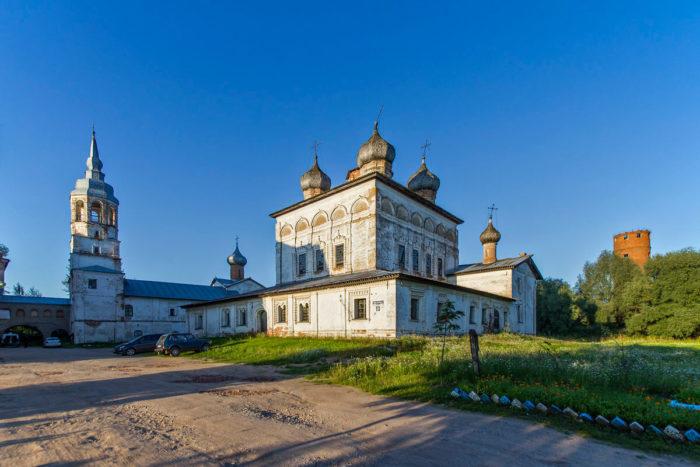 derevyanitskiy-monastyr-700x467