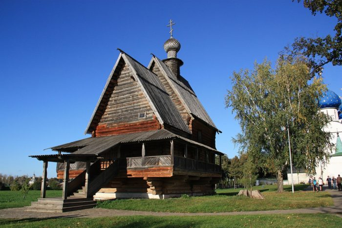 derevyannaya-nikolskaya-tserkov-700x466