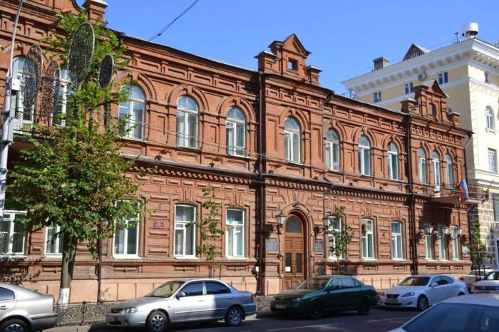 dom-m.-s.-kuznetsova-700x466