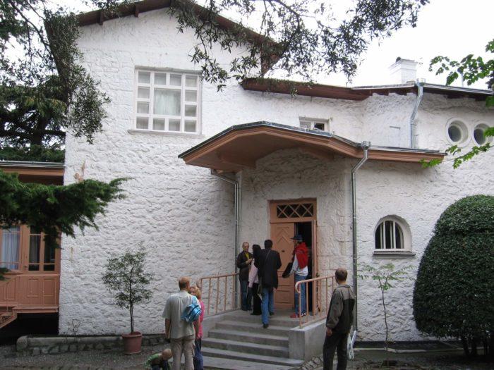 dom-muzey-chehova-700x525