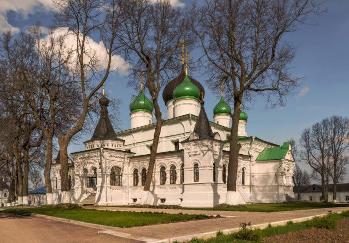 feodorovskiy-monastyr-700x487