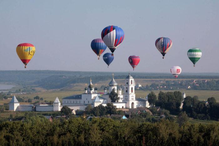 festival-vozduhoplavaniya-zolotoe-koltso-rossii-700x467