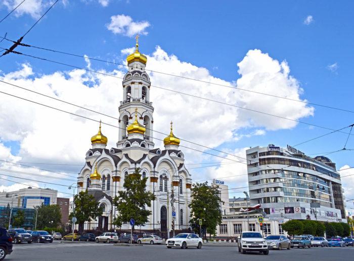 hram-bolshoy-zlatoust-700x516