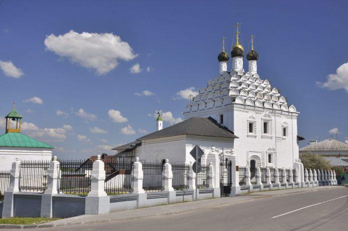 hram-nikoly-na-posade-700x465