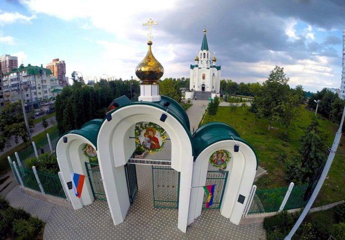 hram-svyatogo-duha-700x488