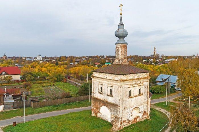 hram-tihvinskoy-ikony-bozhiey-materi-700x464