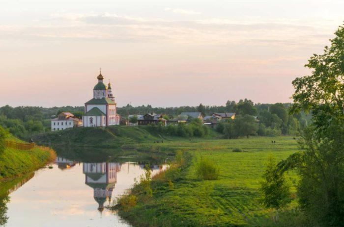 ilinskiy-lug-i-reka-kamenka-700x463