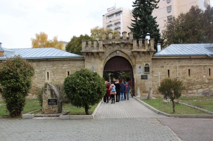 istoriko-kraevedcheskiy-muzey-krepost-700x465