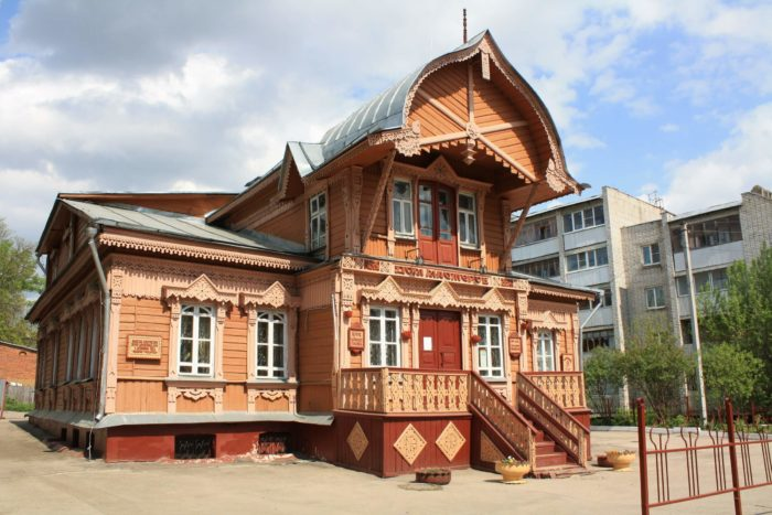 klub-muzey-dom-masterov-700x467