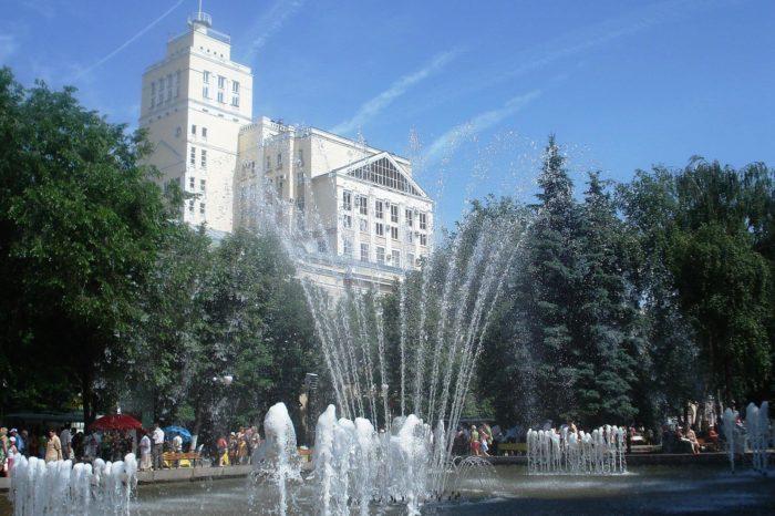 koltsovskiy-skver-700x466